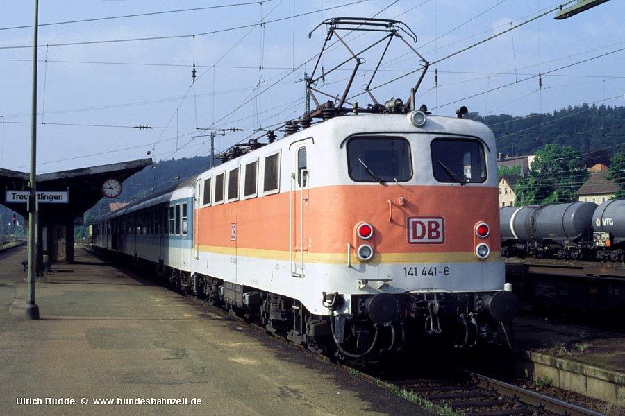 http://www.bundesbahnzeit.de/dso/BU-141/b06-141_441.jpg