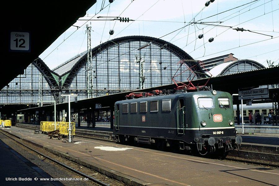 http://www.bundesbahnzeit.de/dso/BU-141/b10-141_097.jpg