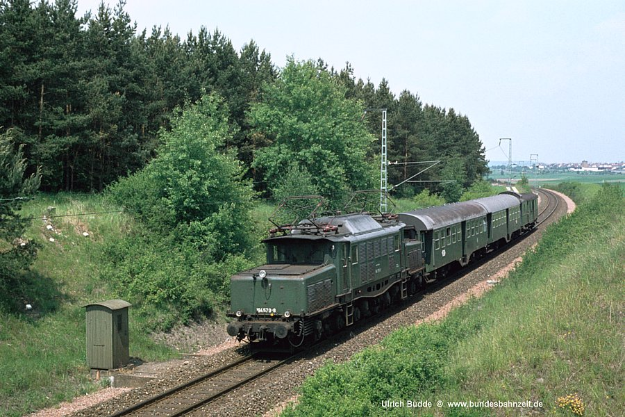 http://www.bundesbahnzeit.de/dso/BU-194/b05-194_570.jpg