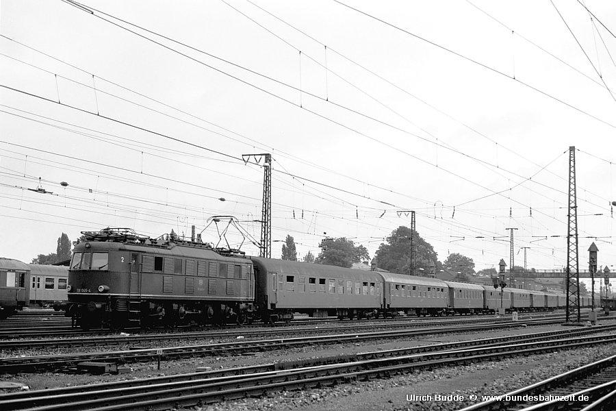 http://www.bundesbahnzeit.de/dso/Chiemgau/b19-118_045.jpg