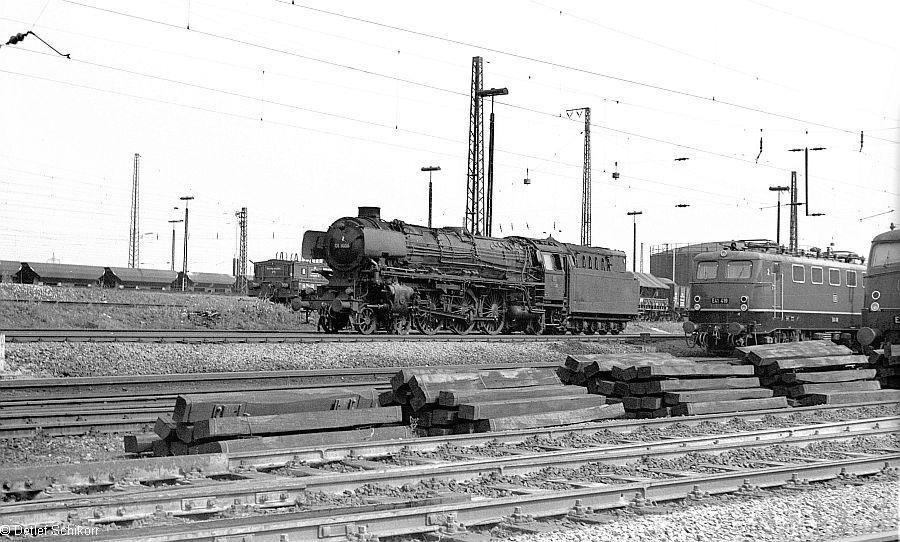 http://www.bundesbahnzeit.de/dso/DDL_mit_Rand/b04-E41_419.jpg
