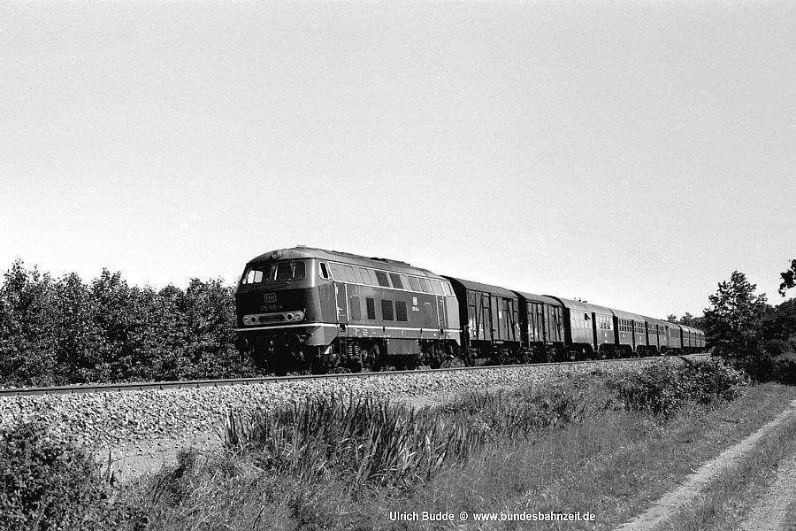http://www.bundesbahnzeit.de/dso/Diesel-Paradies_S-H/b02-215_145.jpg