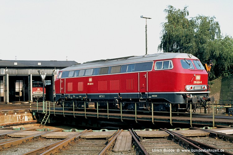 http://www.bundesbahnzeit.de/dso/Drehscheibenbilder/b04-215_020.jpg