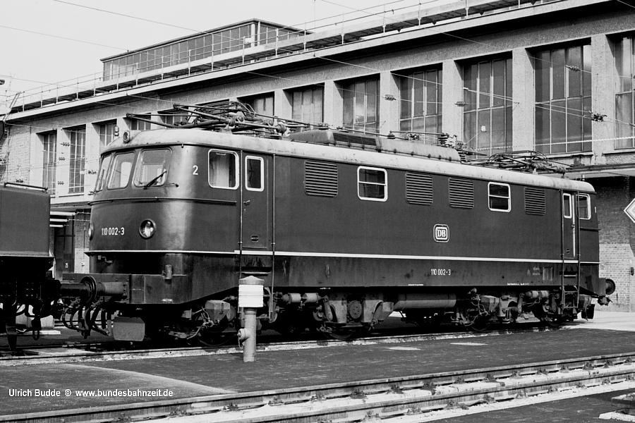 http://www.bundesbahnzeit.de/dso/E10.0-Die_Prototypen/b08-110_002.jpg