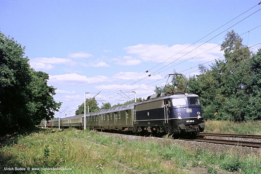 http://www.bundesbahnzeit.de/dso/E10.1-DIE_Schnellzuglok/b03-110_468.jpg