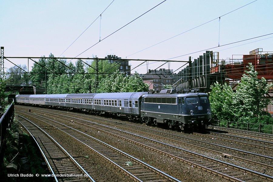 http://www.bundesbahnzeit.de/dso/E10.1-DIE_Schnellzuglok/b07-110_448.jpg