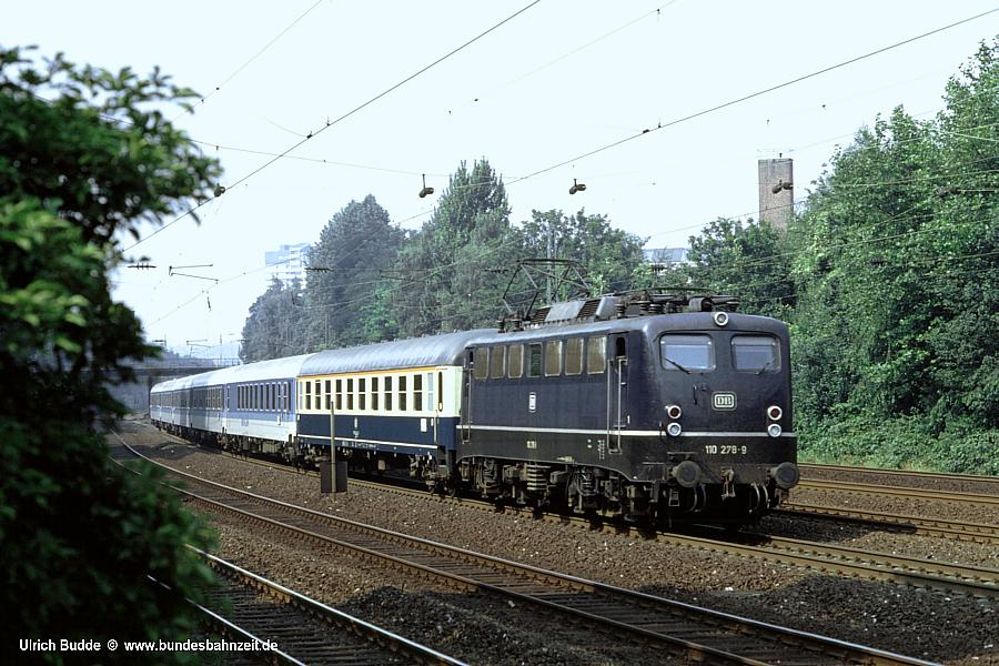 http://www.bundesbahnzeit.de/dso/E10.1-DIE_Schnellzuglok/b09-110_278.jpg