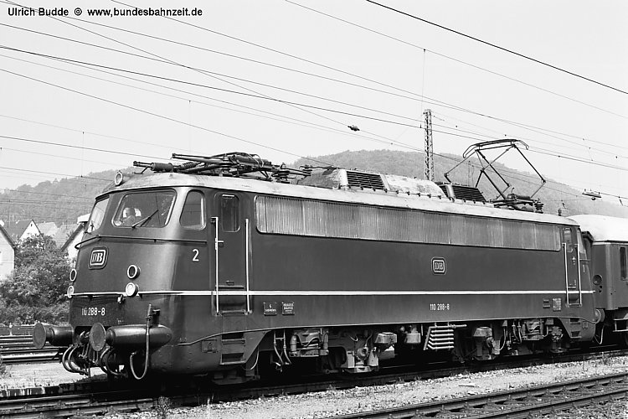 http://www.bundesbahnzeit.de/dso/E10.1-DIE_Schnellzuglok/b10-110_288.jpg