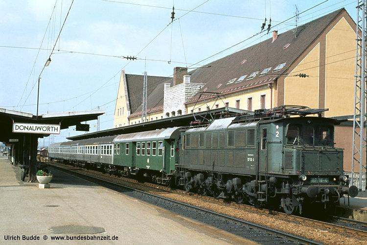 http://www.bundesbahnzeit.de/dso/E17/b04-117_116.jpg