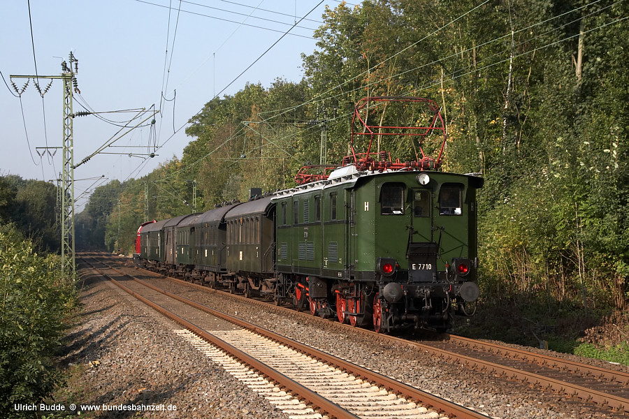 http://www.bundesbahnzeit.de/dso/E77/b02-E77_10.jpg