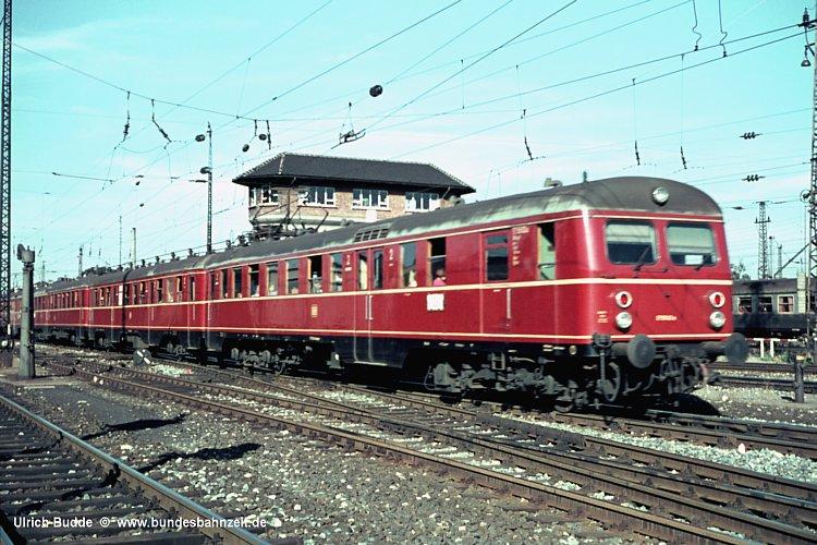 http://www.bundesbahnzeit.de/dso/ET_Direktion_Stuttgart/b01-ET55_03a.jpg
