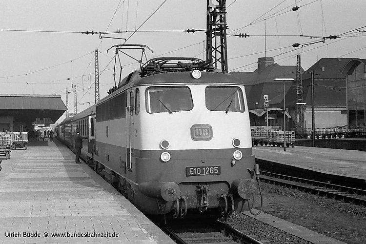 http://www.bundesbahnzeit.de/dso/Einheitselloks/b03-E10_1265.jpg