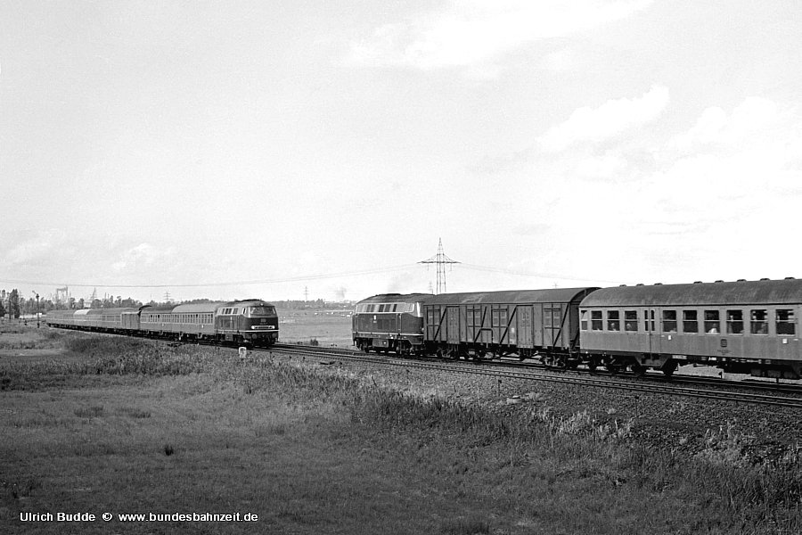 http://www.bundesbahnzeit.de/dso/Emsland-Diesel/b08-216_154,216_151.jpg