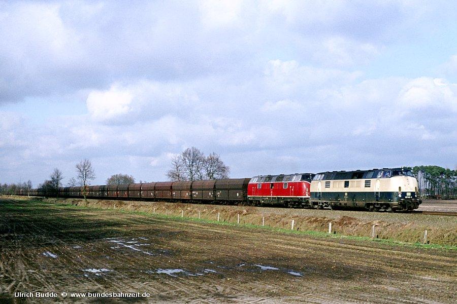 http://www.bundesbahnzeit.de/dso/Emsland-Diesel/b34-221_142+221_102.jpg