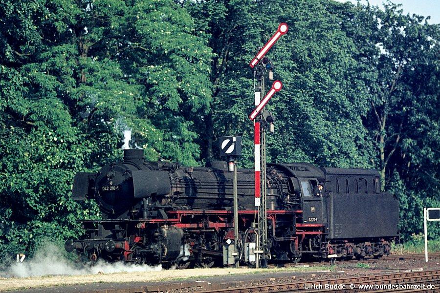 http://www.bundesbahnzeit.de/dso/Emsland_Dampf/b01-042_210.jpg