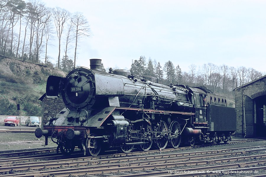 http://www.bundesbahnzeit.de/dso/Gal_Eifel-Dampf/b08-39_204.jpg