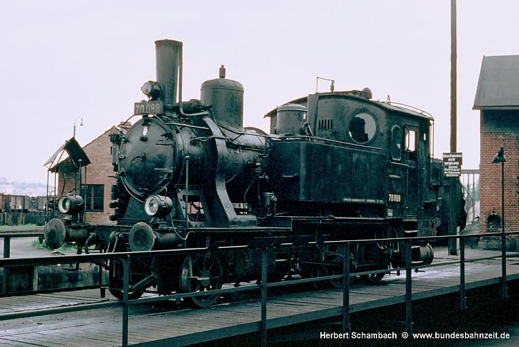 http://www.bundesbahnzeit.de/dso/HS/70-79/b05-70_088.jpg