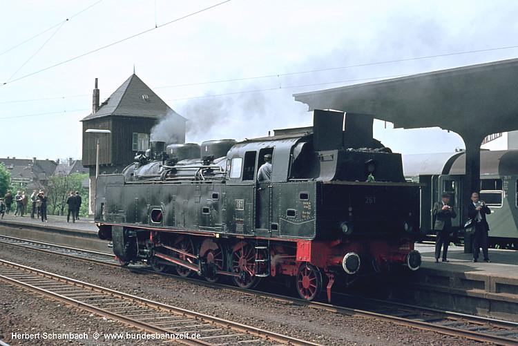 http://www.bundesbahnzeit.de/dso/HS/70-79/b71-FK_261.jpg