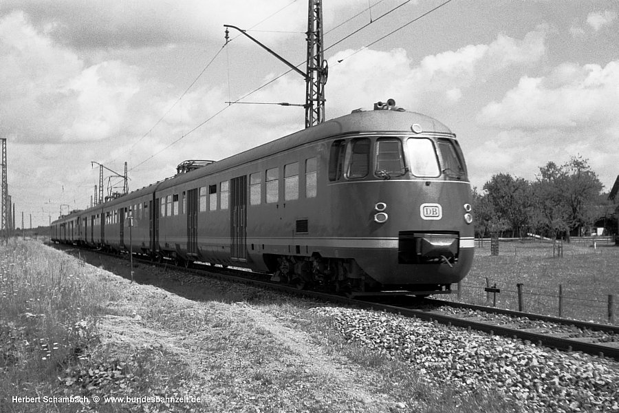 http://www.bundesbahnzeit.de/dso/HS/Bichl/b03-ET30_014b.jpg