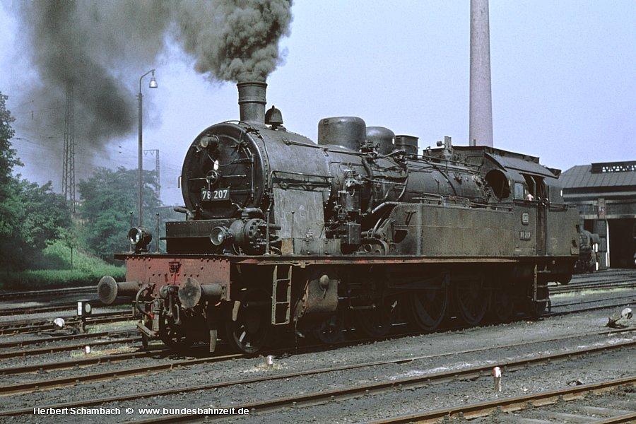 http://www.bundesbahnzeit.de/dso/HS/Deutzerfeld-Farbe/b08-78_207.jpg