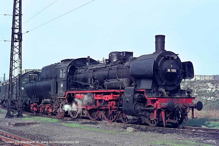 http://www.bundesbahnzeit.de/dso/HS/Deutzerfeld-Farbe/b22-38_1889.jpg