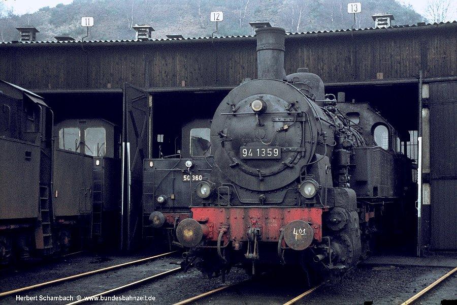 http://www.bundesbahnzeit.de/dso/HS/Tief_im_Westen/b04-94_1359.jpg
