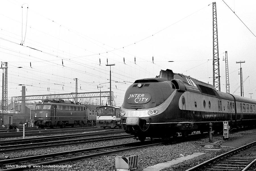 http://www.bundesbahnzeit.de/dso/Hamburg_75-11_Beifang/b17-602_002.jpg