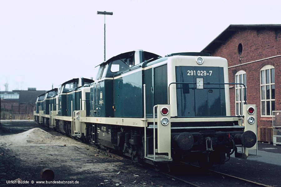 http://www.bundesbahnzeit.de/dso/Hamburg_75-11_Beifang/b19-291_029.jpg