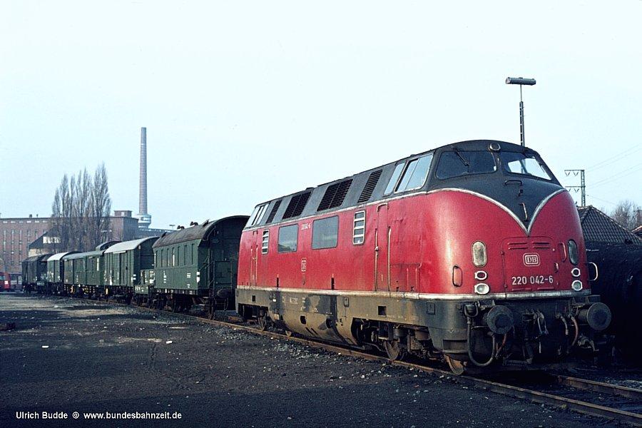 http://www.bundesbahnzeit.de/dso/Hamburg_75-11_Beifang/b20-220_042.jpg