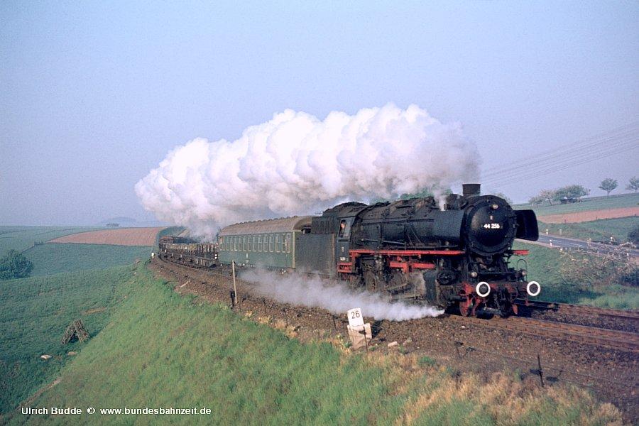 http://www.bundesbahnzeit.de/dso/Heute_vor_40Jahren-Ottbergen/b01-44_256.jpg