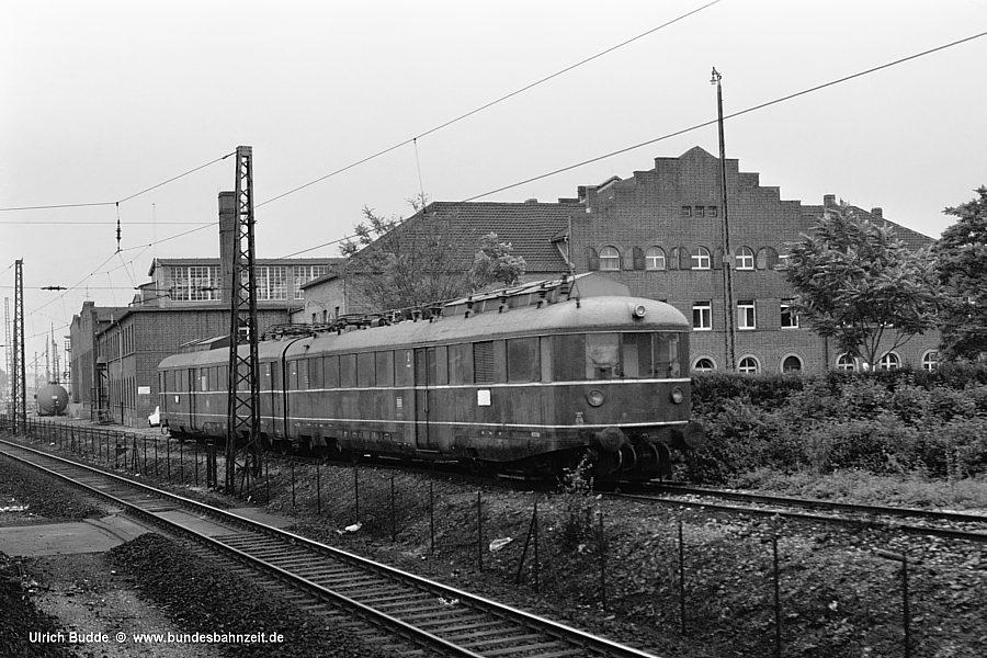 http://www.bundesbahnzeit.de/dso/Hoellentalbahn/b05-445_401.jpg