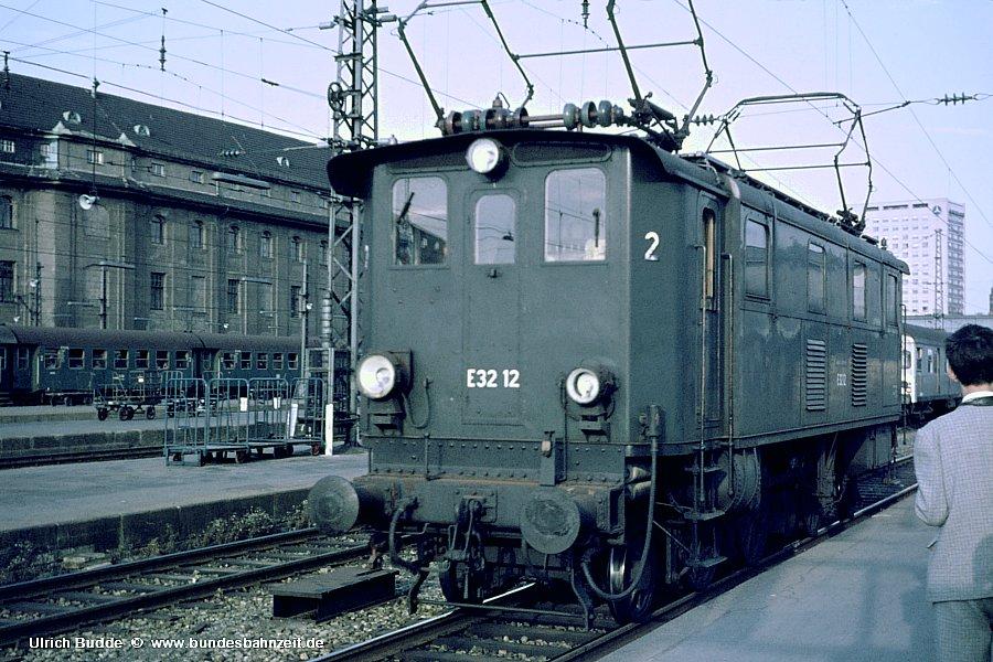 http://www.bundesbahnzeit.de/dso/Muenchen/b08-E32_12.jpg
