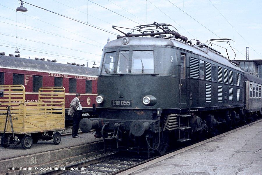 http://www.bundesbahnzeit.de/dso/Muenchen/b12-E18_055.jpg