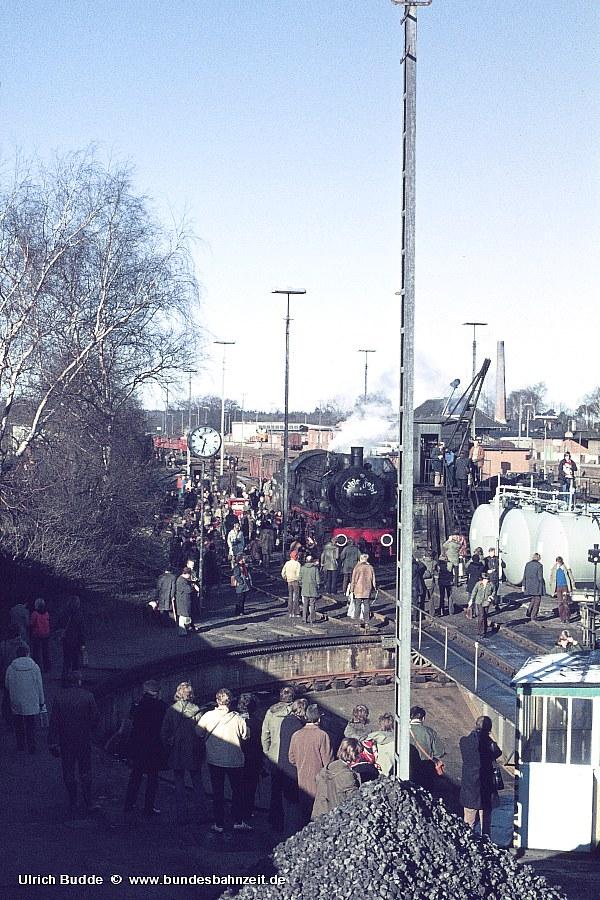 http://www.bundesbahnzeit.de/dso/P8-Abschiedsfahrt/b11-038_772.jpg