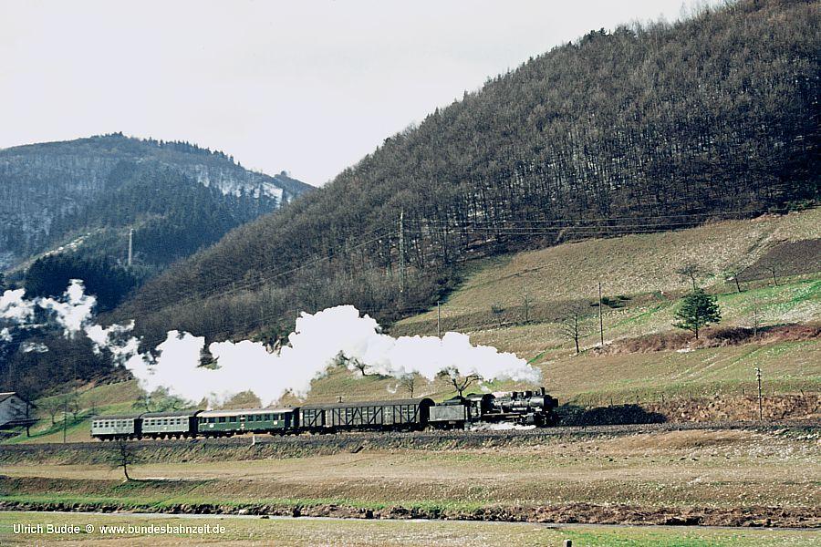http://www.bundesbahnzeit.de/dso/P8_Kinzigtal/b02-038_772.jpg