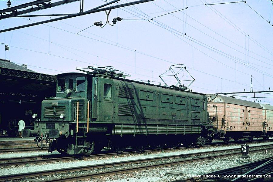 http://www.bundesbahnzeit.de/dso/Rorschach/b18-Ae47_10910.jpg