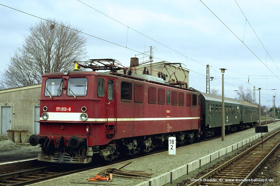 http://www.bundesbahnzeit.de/dso/Ruebelandbahn/b04-171_013.jpg