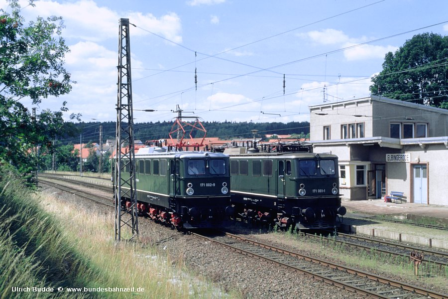 http://www.bundesbahnzeit.de/dso/Ruebelandbahn/b17-171_002,171_001.jpg