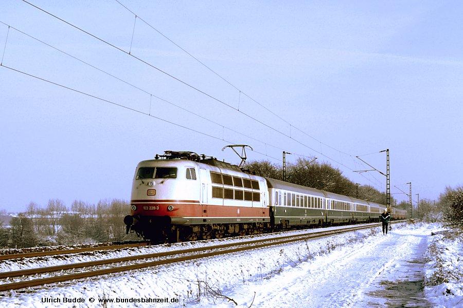 http://www.bundesbahnzeit.de/dso/Schnee_von_gestern/b01-103_228.jpg