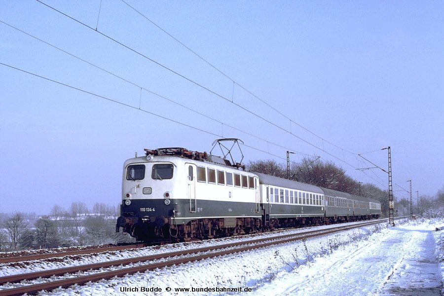 http://www.bundesbahnzeit.de/dso/Schnee_von_gestern/b06-110_134.jpg