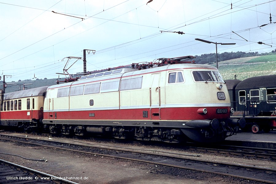 http://www.bundesbahnzeit.de/dso/Stromabnehmer_103/b01-E03_003.jpg