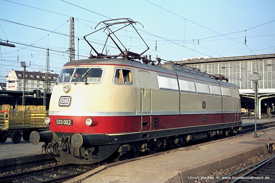 http://www.bundesbahnzeit.de/dso/Stromabnehmer_103/b02-E03_002.jpg