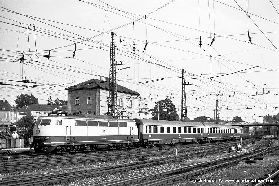 http://www.bundesbahnzeit.de/dso/Stromabnehmer_103/b04-103_001.jpg