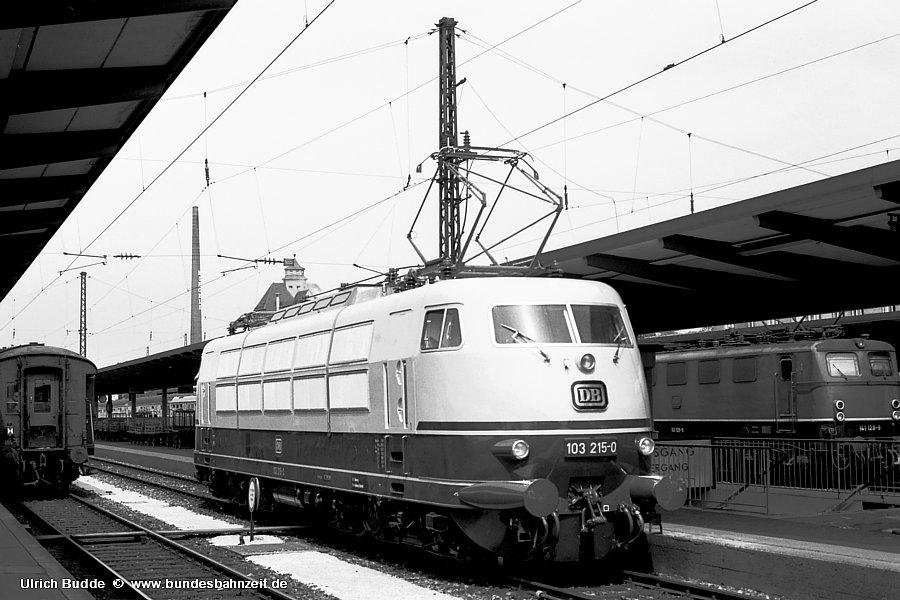 http://www.bundesbahnzeit.de/dso/Stromabnehmer_103/b07-103_215.jpg
