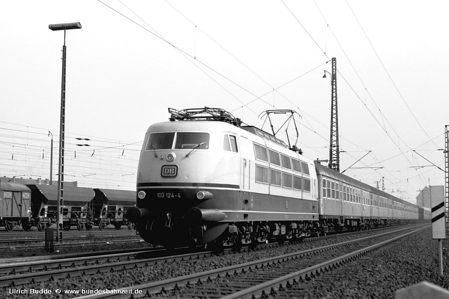 http://www.bundesbahnzeit.de/dso/Stromabnehmer_103/b09-103_124.jpg