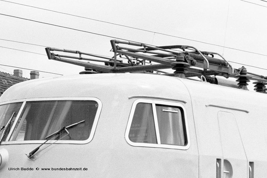 http://www.bundesbahnzeit.de/dso/Stromabnehmer_103/b13-103_122-Aus.jpg
