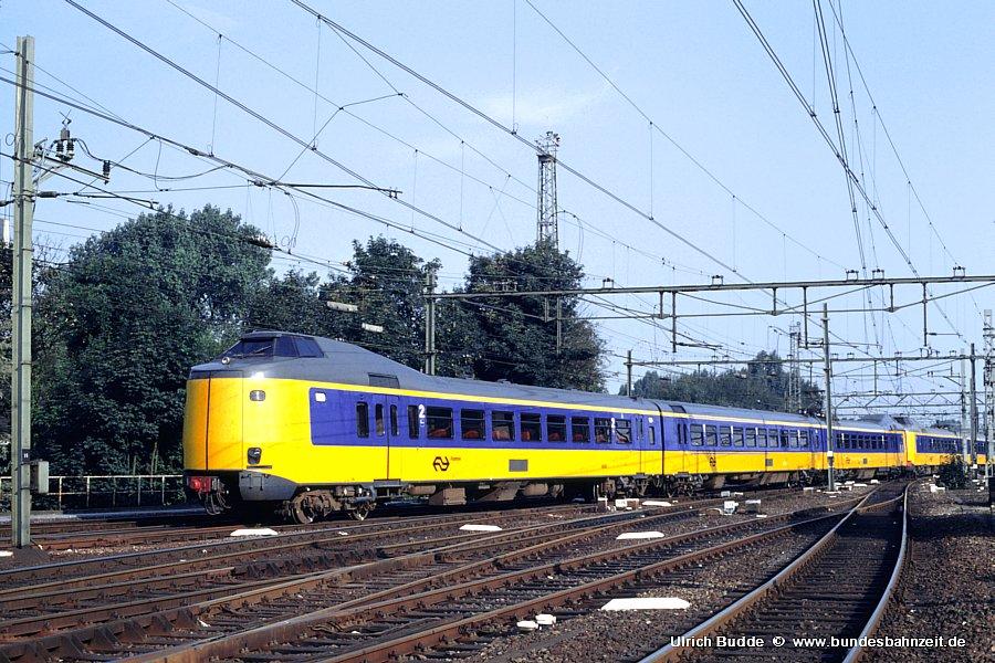 http://www.bundesbahnzeit.de/dso/Utrecht_89/b64-4043.jpg