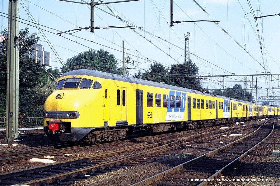 http://www.bundesbahnzeit.de/dso/Utrecht_89/b67-830.jpg