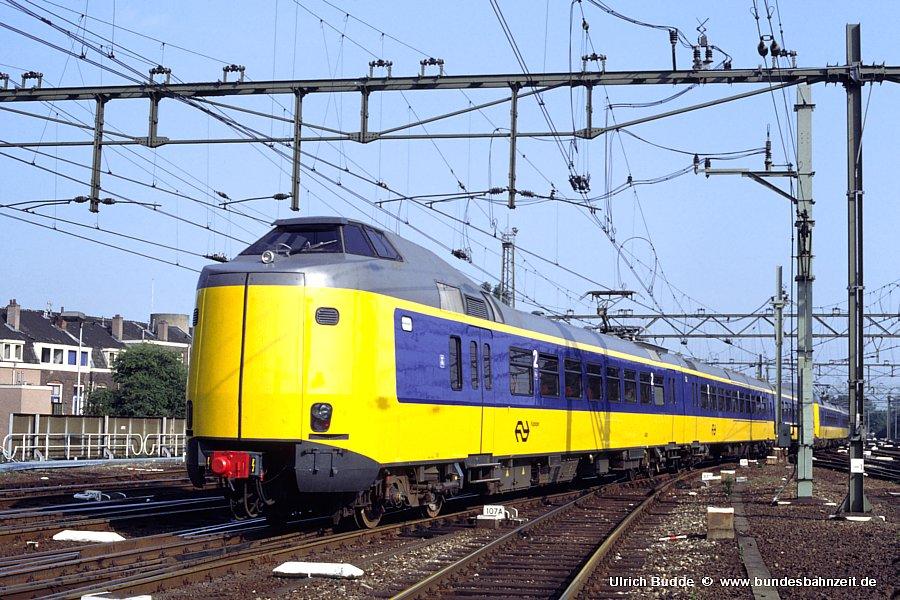 http://www.bundesbahnzeit.de/dso/Utrecht_89/b69-4085.jpg