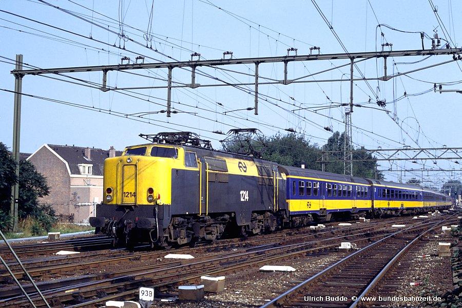 http://www.bundesbahnzeit.de/dso/Utrecht_89/b71-1214.jpg